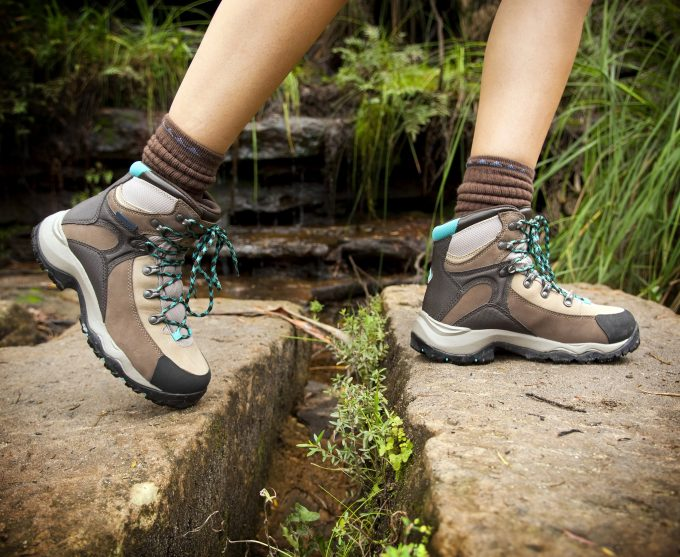Best Hiking Boots for Women: Best Boots for Your Endurance!