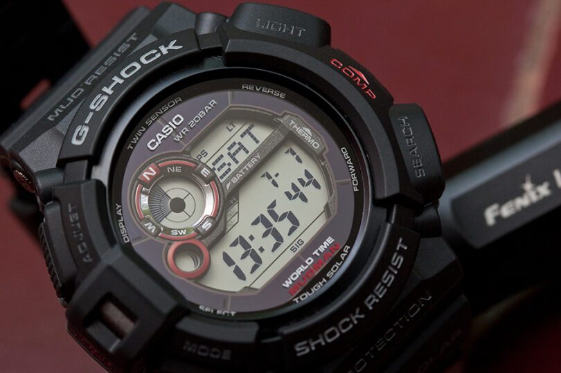 multiple functions on watch with compass