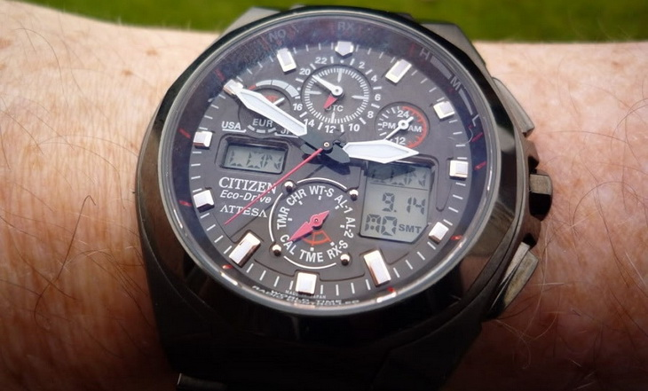 Image of a compass_watch on a man's hand