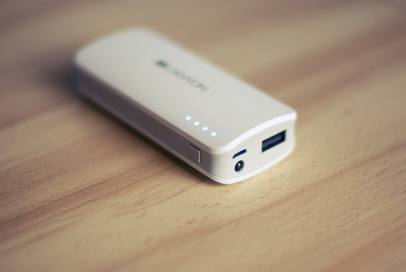 EXTERNAL BATTERY PACK on table