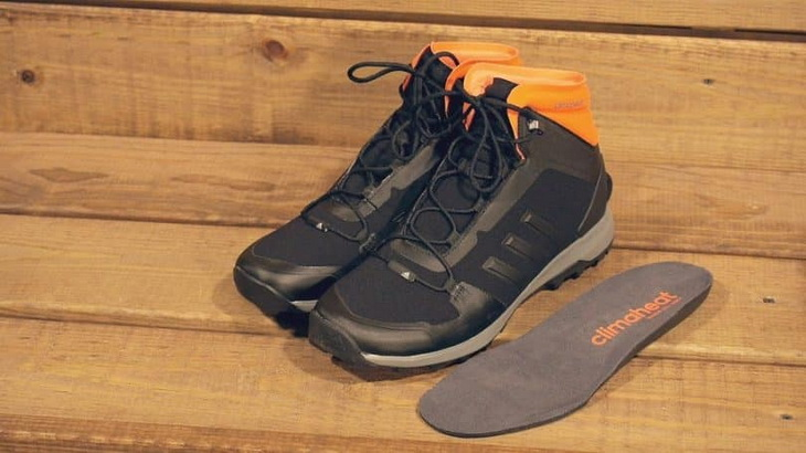 Insulation of hiking boots on the floor