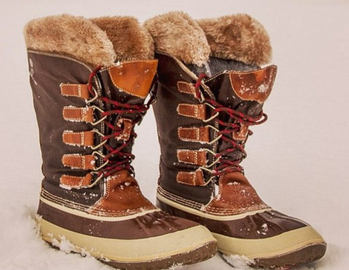 Best Winter Hiking Boots for Women: Choosing the Right Outdoor Footwear for Your Hiking Trips