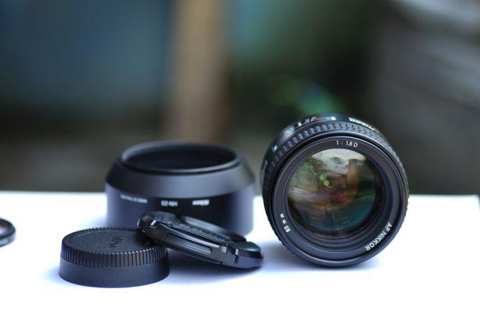 compact binoculars lens