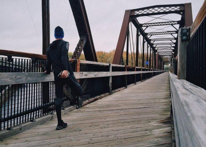 A man getting ready for his run