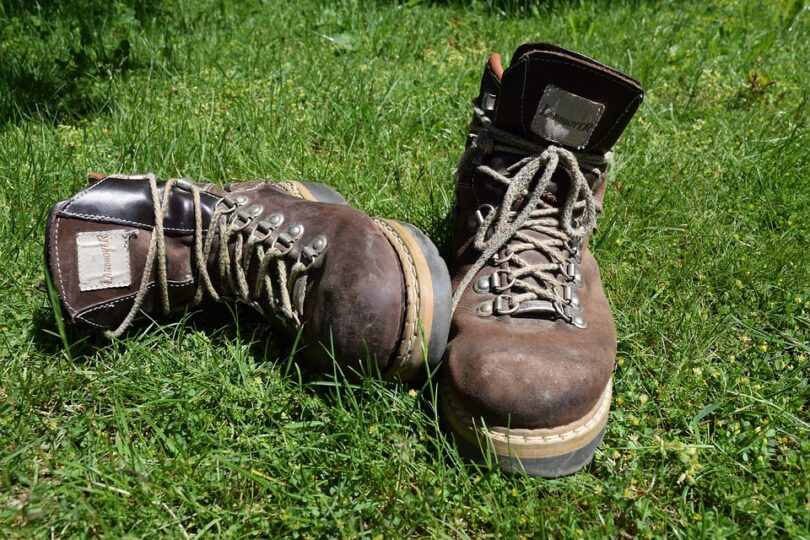 WINTER HIKING BOOTS FOR MEN