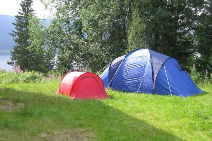 small-and-large-tents-680x453
