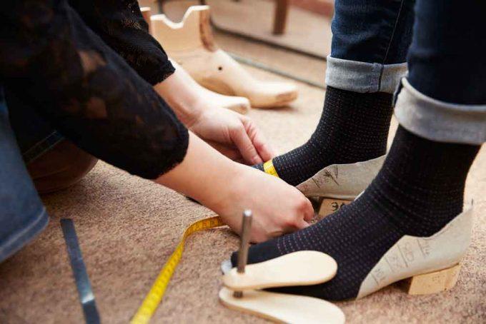 taking foot measures