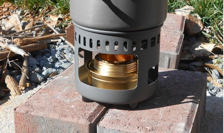 Image of an alcohol-stove in the sun