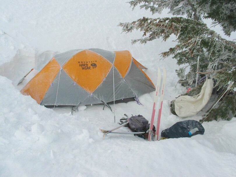 Winter backpacking shelter