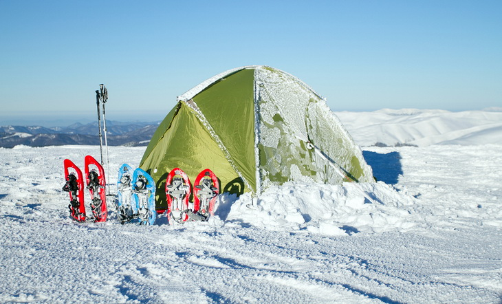 Image of a 4 seaason camping tent in winter time