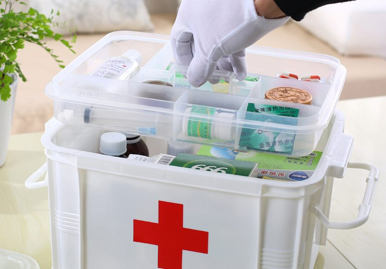 first aid for group of people