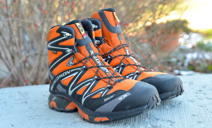 A pair of Salomon Wings Sky GTX boots for snowshoeing