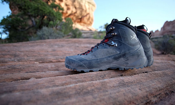 Image of Arctery'x Bora2 Mid GTX Hiking Boots