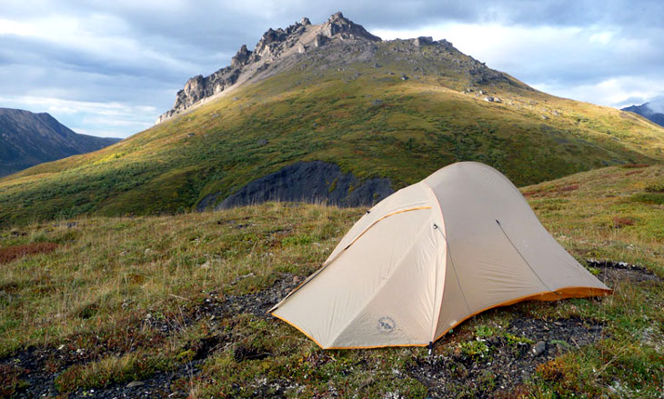 Camping-at-the-mountain with an ultralight tent