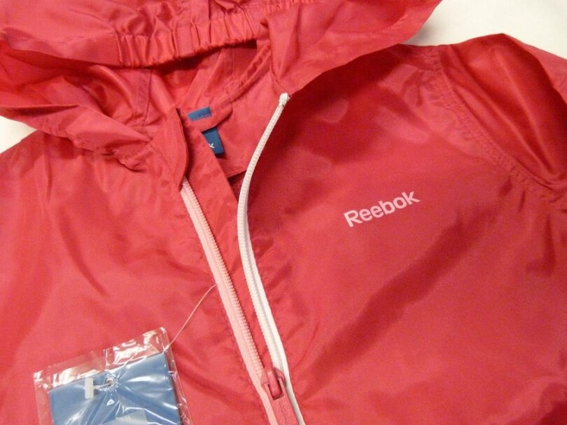 Chose your Packable rain jacket