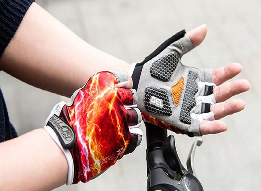 Best Fingerless Gloves: Buying Guide and Expert's Reviews