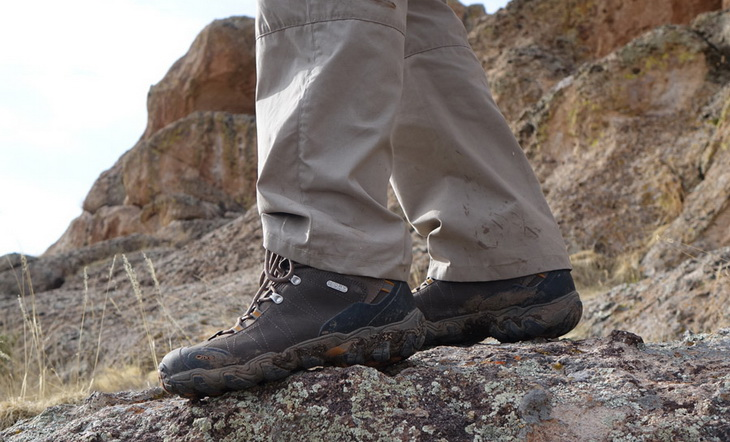 A man wearing Oboz-Bridger-Mid-BDry-Mens-Hiking-Boots
