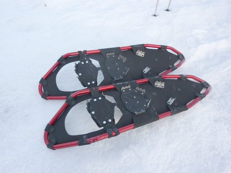 Snowshoes crampons