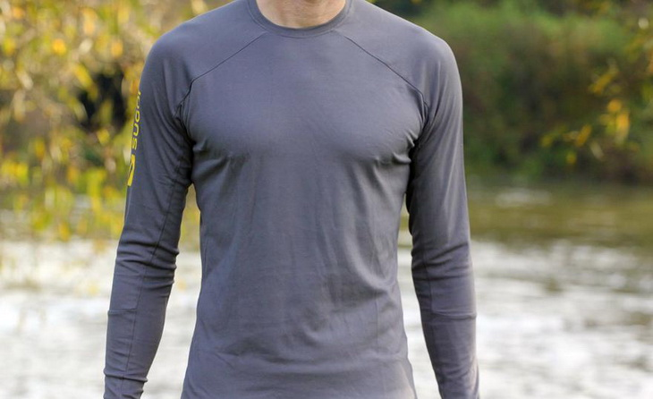 A man wearing Sugoi Carbon Long Sleeved Base Layer