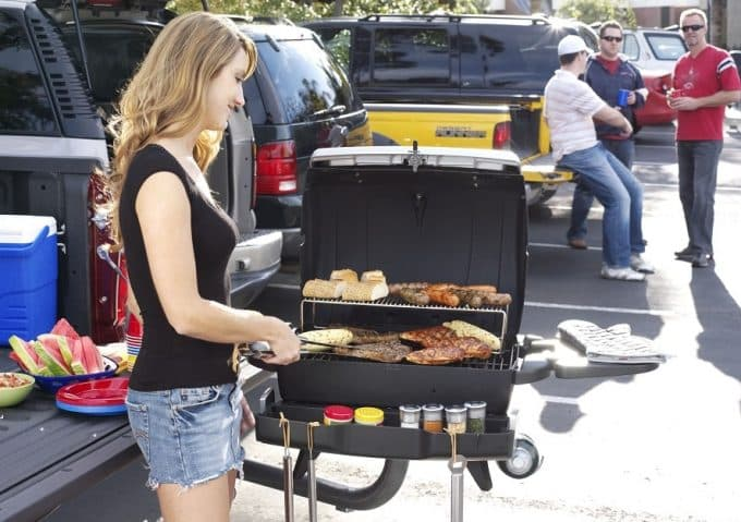 Best Tailgate Grill: Choosing the Best One for Your Needs