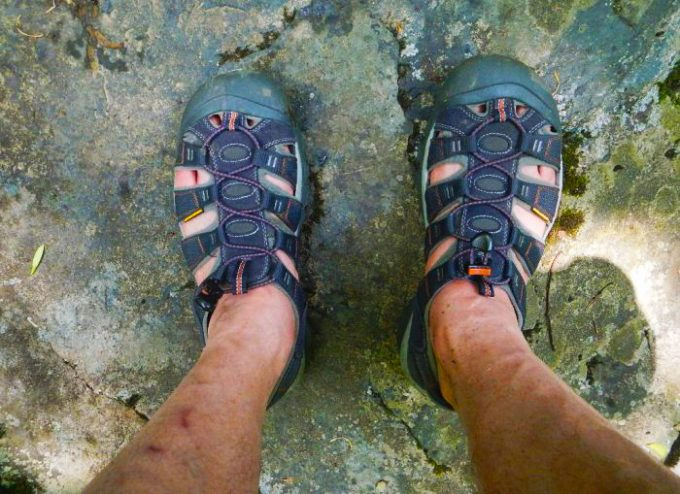 closed toe hiking sandals