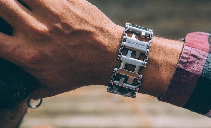 A man wearing the Leatherman - Tread Bracelet
