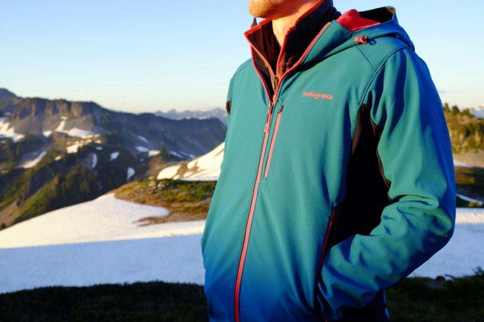 wind resistant softshell jacket
