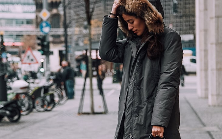 Woman wearing in town a Hooded-winter-parka