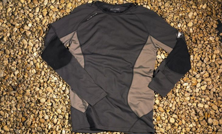 Mammut-All-Year-Long-Sleeve-baselasyer on the ground
