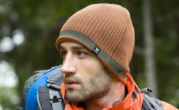 Man wearing a hiking hat