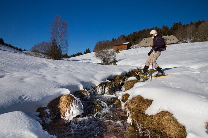 snow-winterhat-hike-2875529_960_720
