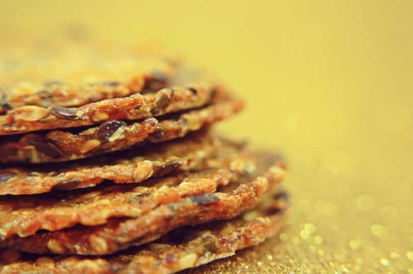 close up picture of grain crackers