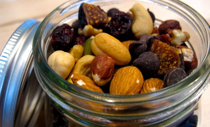 DIY Organic Trail Mix in a Jar