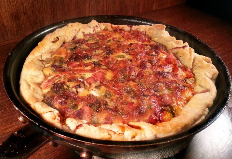 Frying pan pizza pie