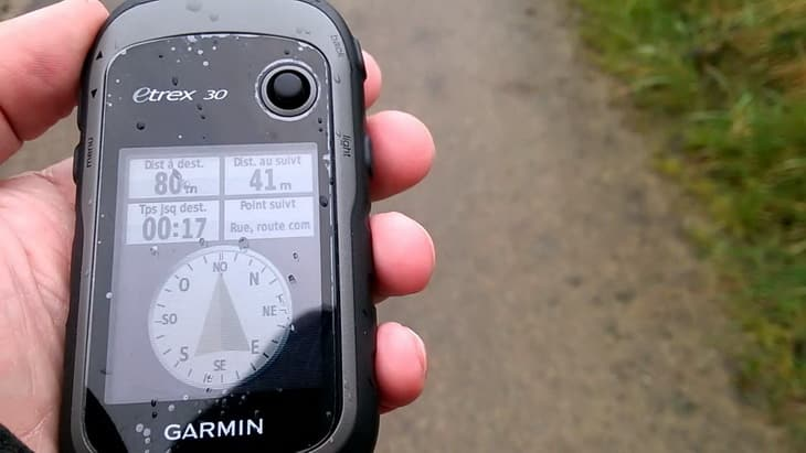 Image showing a compass on the Garmin-eTrex-30 GPS