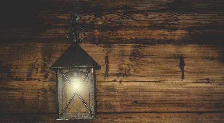 Gas-lantern hanging