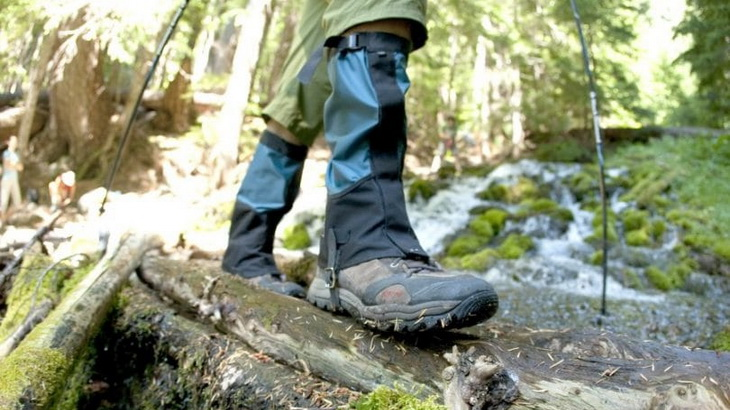 A man wearing gaiters while hiking
