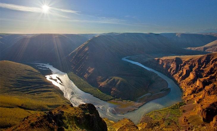John Day River during daytime
