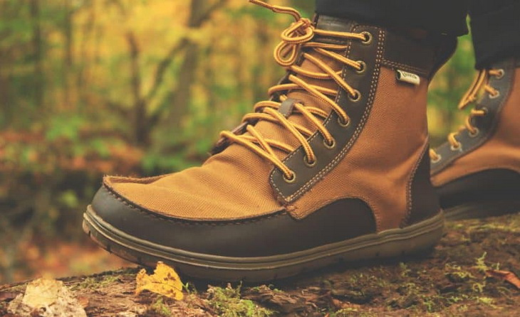 Close-up of a lightweight-mens-hiking-boots