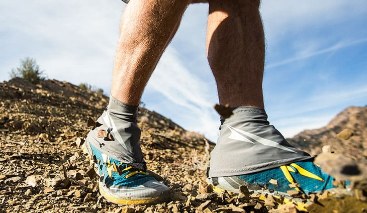 Man-wearing-Altra-Running-Trail-Gaiter