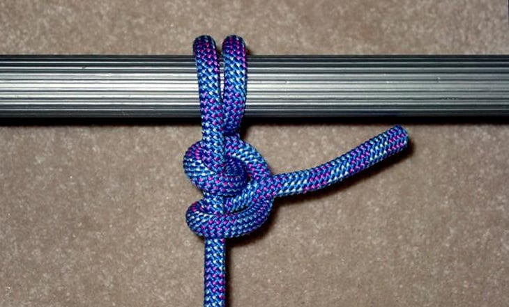 Two half pitch knot