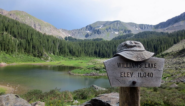 Williams Lake Trail in Ski Valley