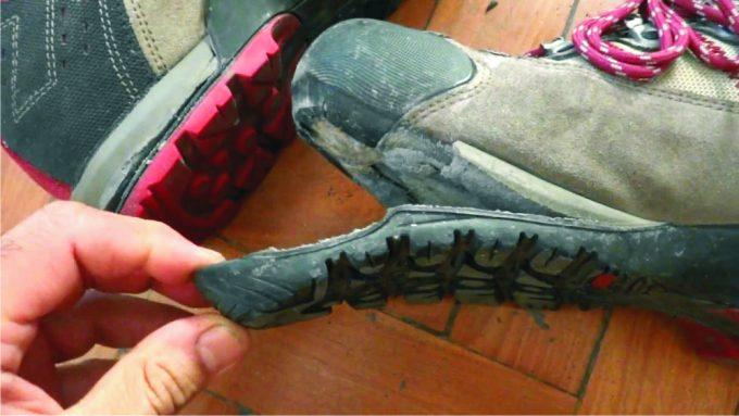 repair-damaged-boot