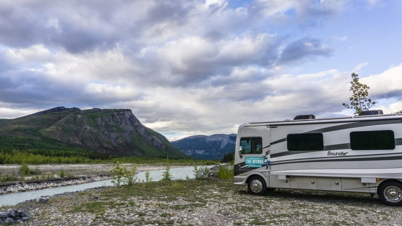 photo of free rv camping and a mountains view