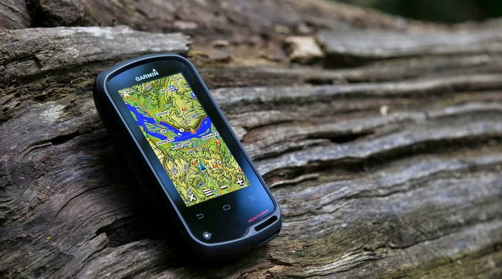 garmin_monterra gps on the wood