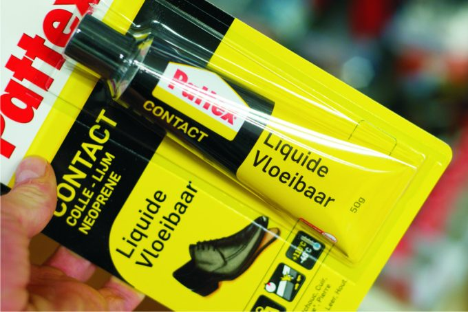 glue-for-shoes