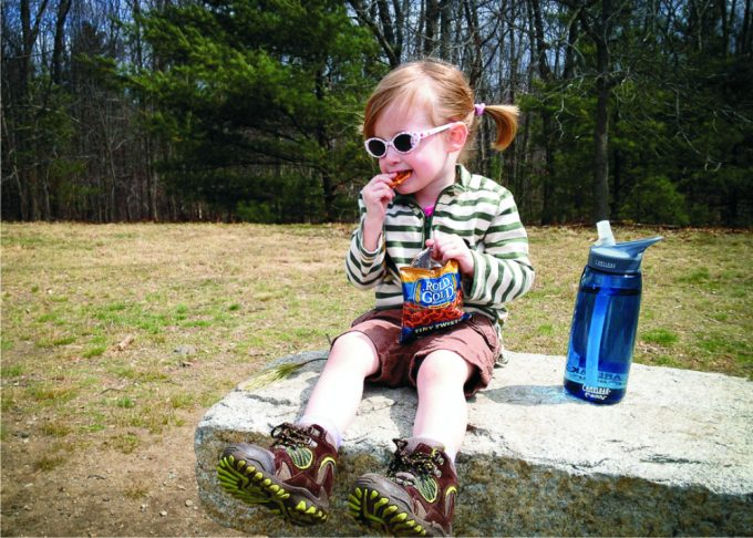 hiking-baby-with-food-and-water