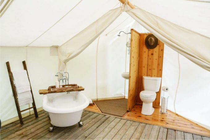 luxury-camping-bathroom