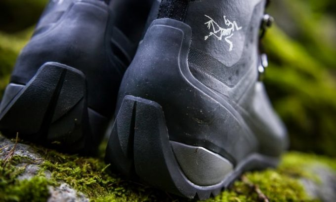 mountaineering boots view from behind