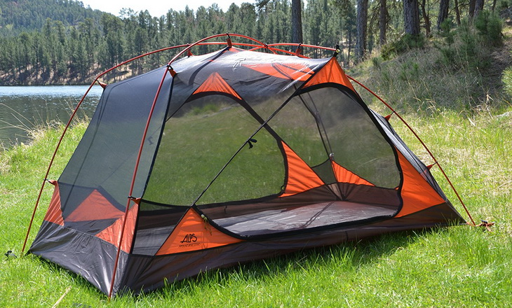 Alps Mountaineering Chaos Tent in the sunlight & Alps Mountaineering Chaos Tent: A Roomy Comfortable Tent ...